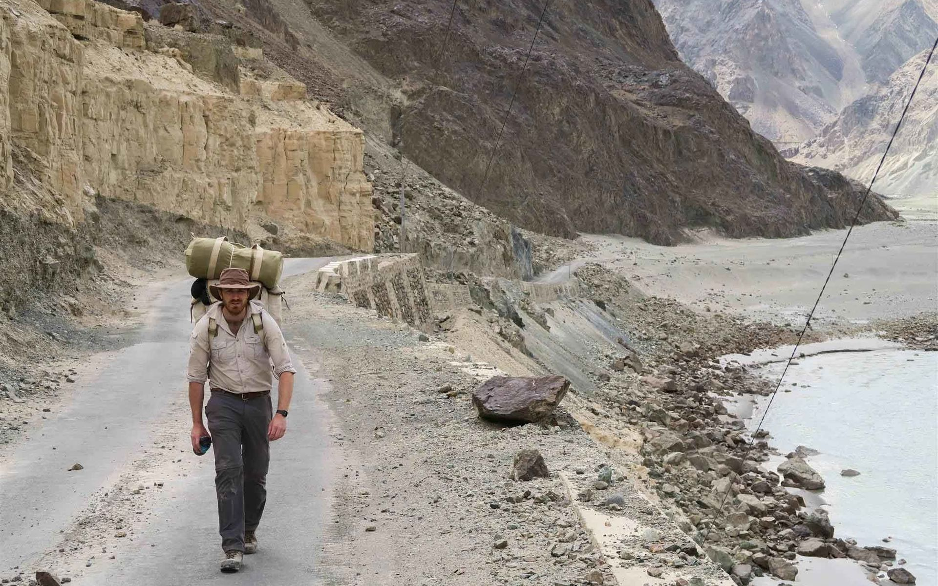 https://etchrock.com/Brit walks the length of India to mark 70 years of Independence